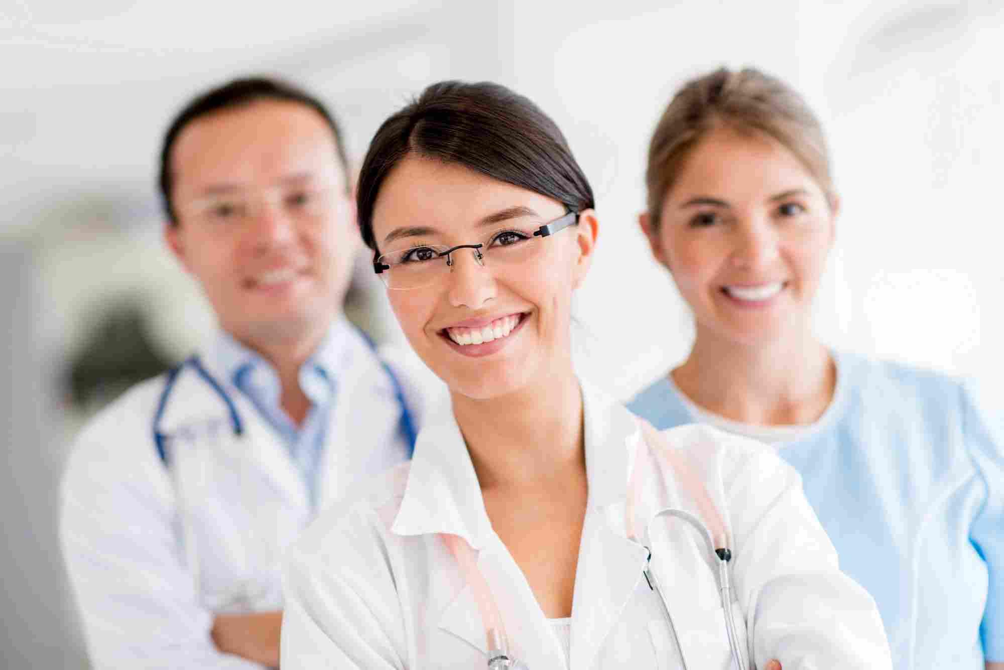 http://clinicarhinus.com.br/wp-content/uploads/2015/12/doctors.jpg