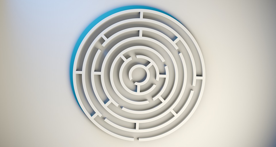 labyrinth-1872669_960_720